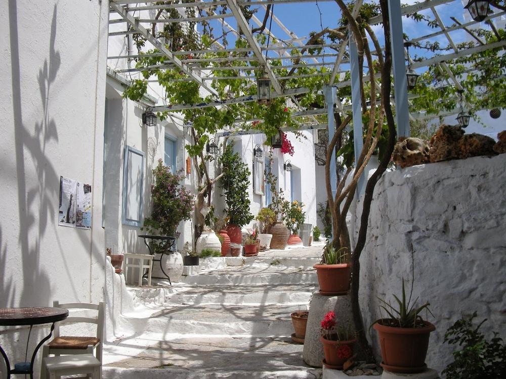 cozy vibe travel amorgos