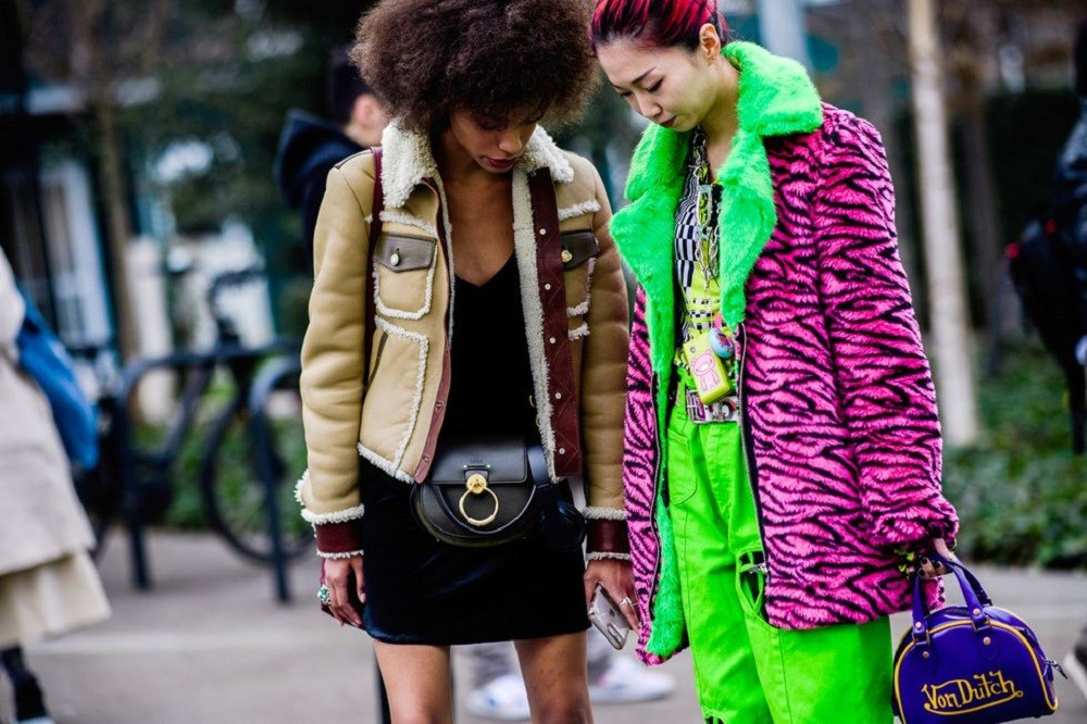 Paris Fashion Week: Με έμπνευση από τους δρόμους του Παρισιού