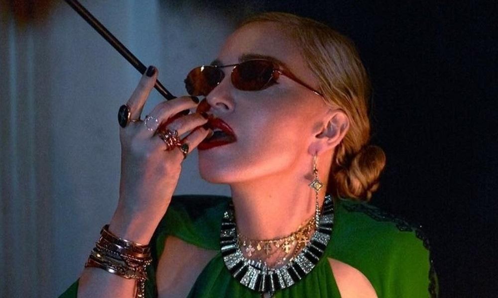 Η Madonna συνεργάζεται με την Moschino