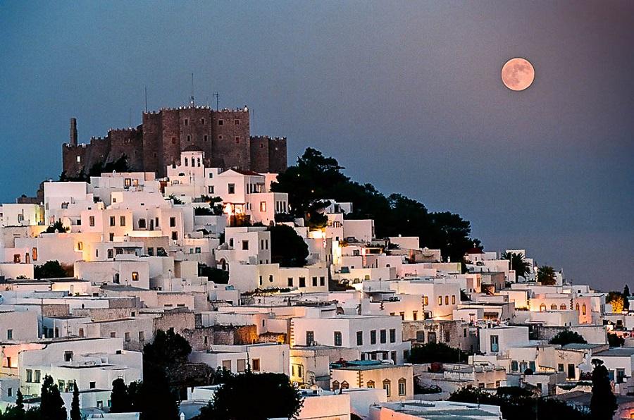 5 μέρη της Ελλάδας για να γιορτάσετε φέτος το Πάσχα