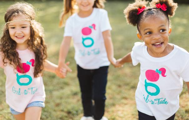 afcaab82fb9 ... άνοιξη και το καλοκαίρι; Συγκεντρώσαμε τα πιο hot ανοιξιάτικα και  summer trends στα κοριτσίστικα παιδικά ρούχα. Ανακαλύψτε τα και πάρτε ιδέες  για νέους, ...