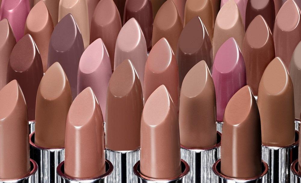 H Jaclyn Hill μας αποκαλύπτει τα μυστικά των nude lipsticks