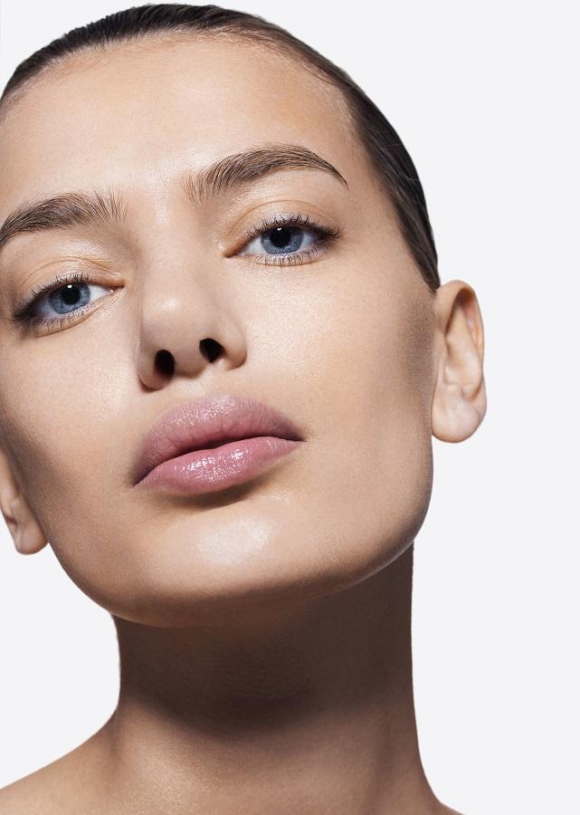 To KITH x Estée Lauder beauty kit υμνεί τη φυσική ομορφιά