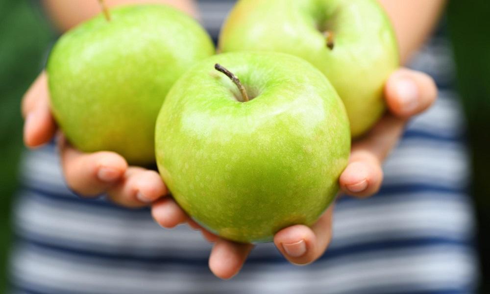 Το μήλο ευεργετεί την υγεία και τη σιλουέτα σας