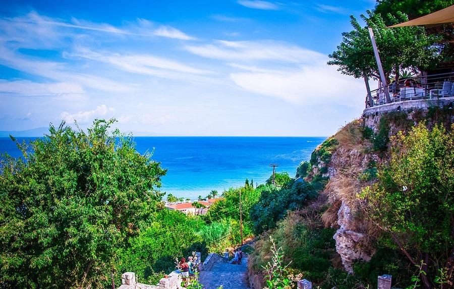 Διακοπές στην ονειρεμένη Χαλκιδική-Πρώτο Πόδι