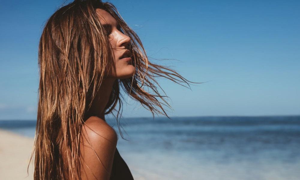 Σπιτικά αντηλιακά λαδάκια μαλλιών για τις διακοπές