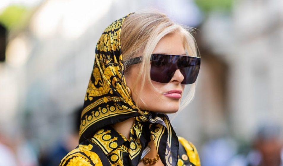 Μαντήλι και μαγιό είναι ο πιο fashion συνδυασμός