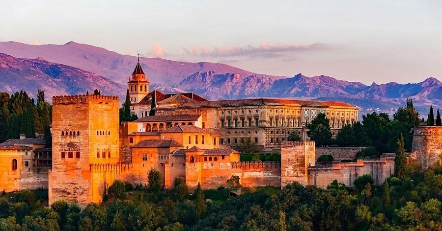 3 πόλεις που πρέπει να επισκεφθείτε στην Ισπανία