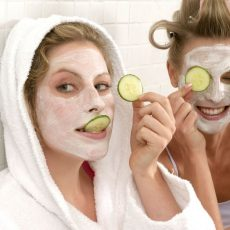 Τα skincare μυστικά στα οποία ορκίζονται οι beauty experts