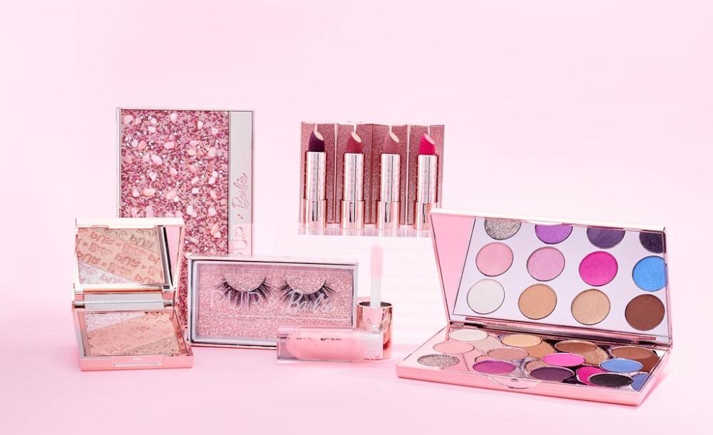 Μία νέα beauty collection με την υπογραφή της Barbie