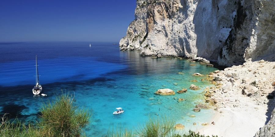 Μήλος: ένα από τα ομορφότερα νησιά του Αιγαίου