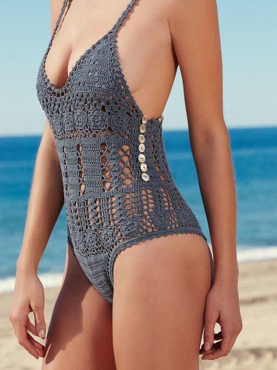 Τα πλεκτά μαγιό είναι ο,τι πιο hot για την παραλία