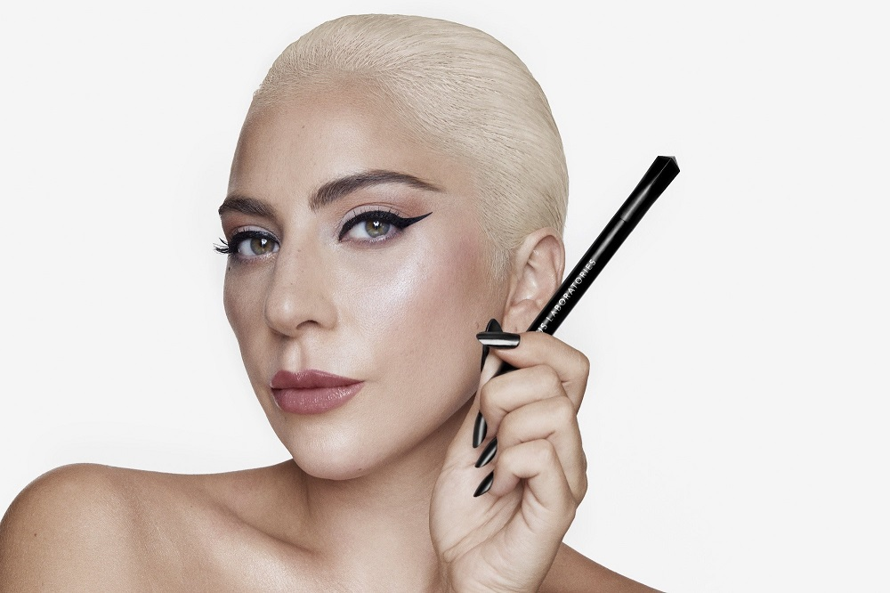 H Lady Gaga λανσάρει το δικό της eyeliner!