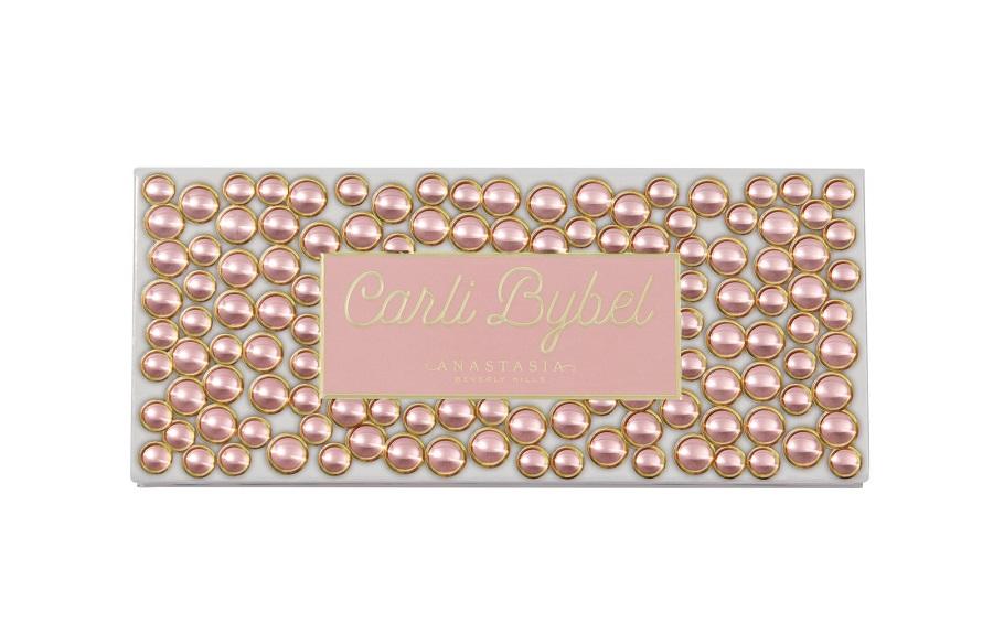 Η glam Carli Bybel x Anastasia παλέτα