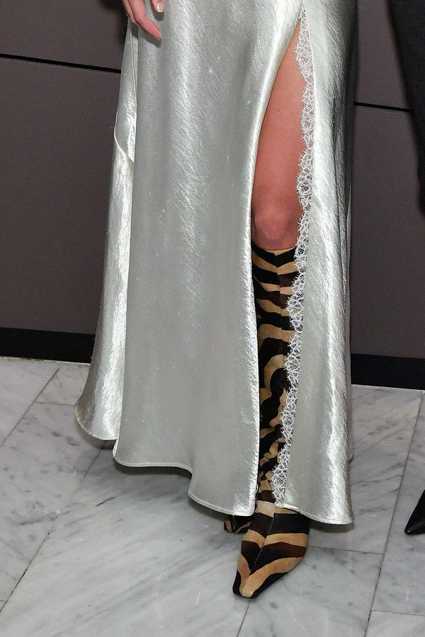 H Zebra-Print μπότες της Katie Ηolmes είναι το επόμενο must-have μας