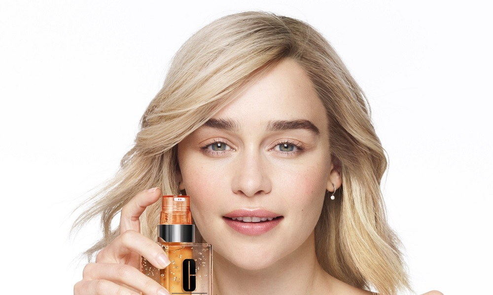 H Emilia Clarke είναι το νέο πρόσωπο της Clinique
