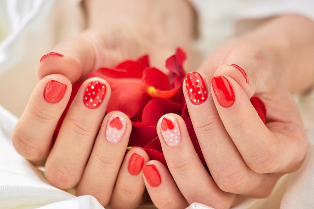 Αγίου Βαλεντίνου: Ιδέες για τα πιο lovely νύχια