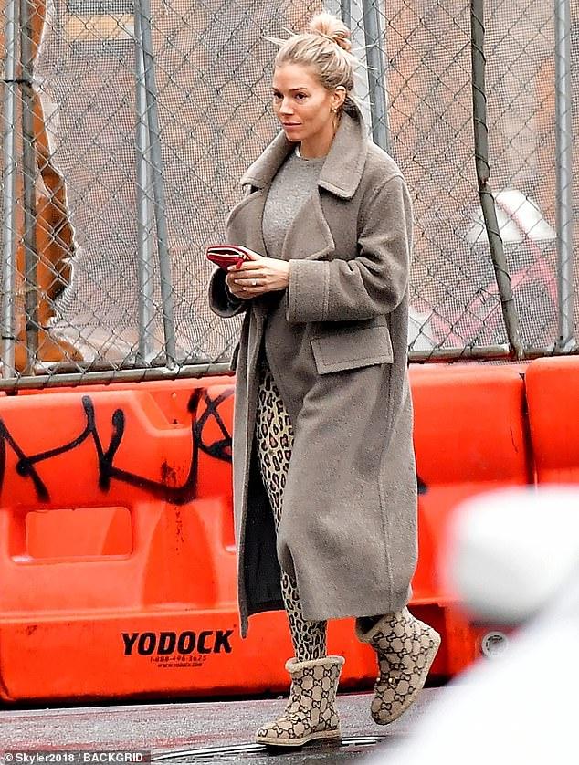 Η Sienna Miller αγαπά τα prints