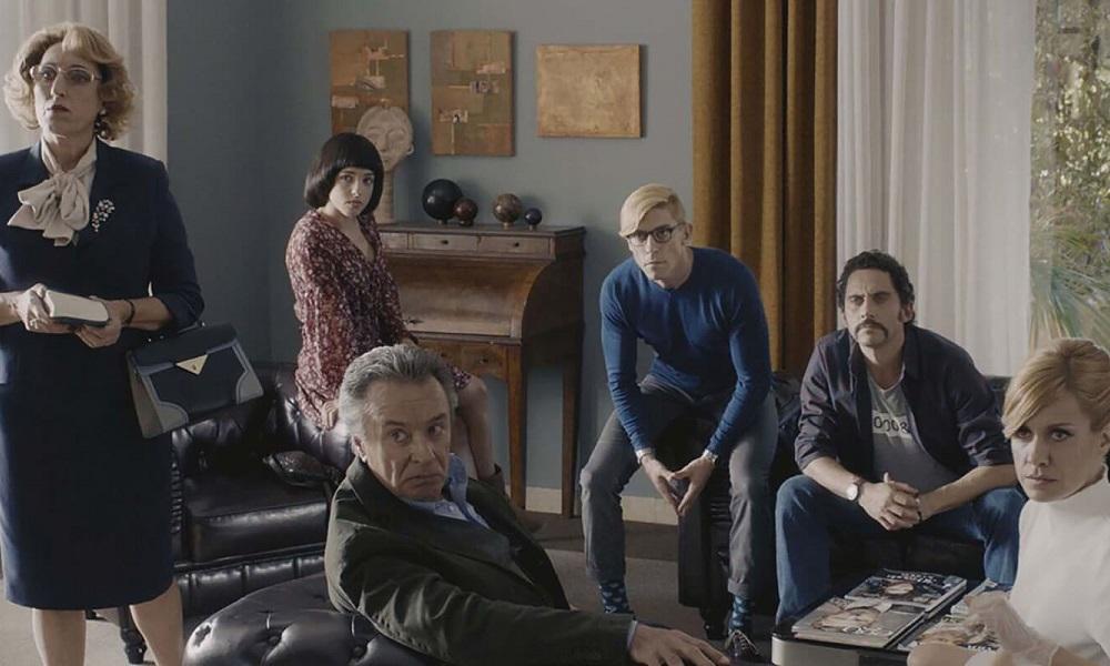 """4 προτάσεις ταινιών και σειρών γιατί """"μένουμε σπίτι"""""""