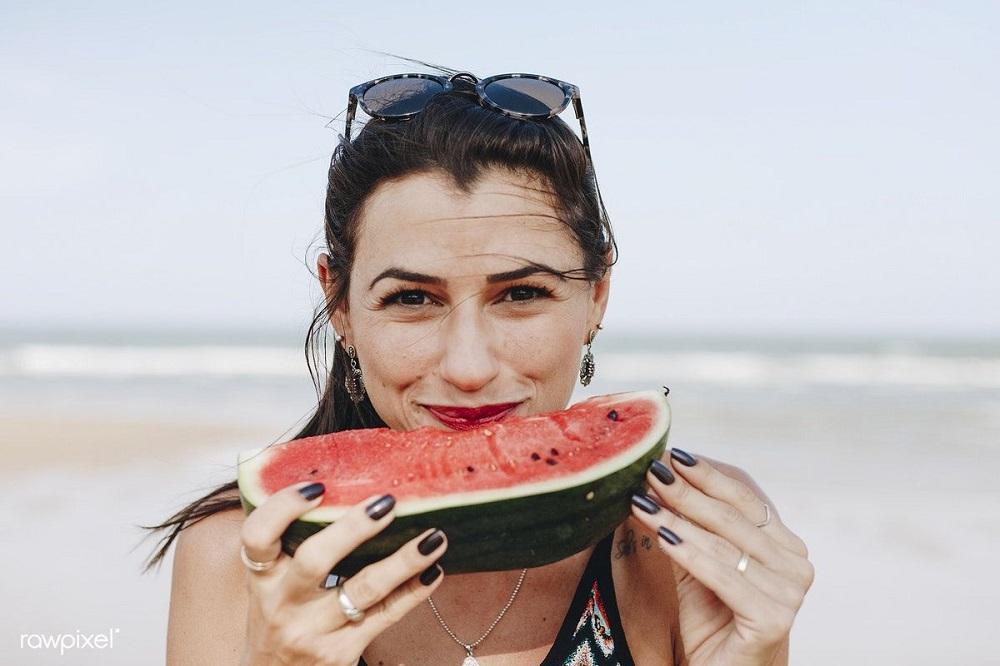 4 προϊόντα ομορφιάς με καρπούζι που θα λατρέψετε