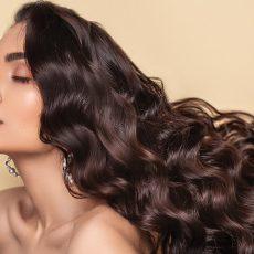 Anti aging tips για πιο λαμπερά μαλλιά
