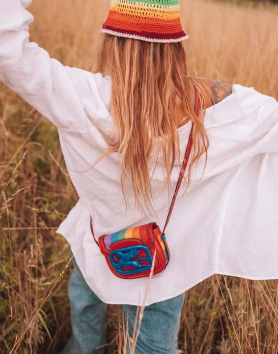 Η νέα τσάντα του brand ETRO υποστηρίζει τη διαφορετικότητα