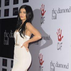 Η Kylie Jenner έγινε ξανθιά