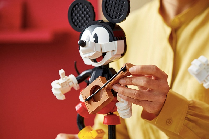lego-disney-mickey-minnie-mouse-figure