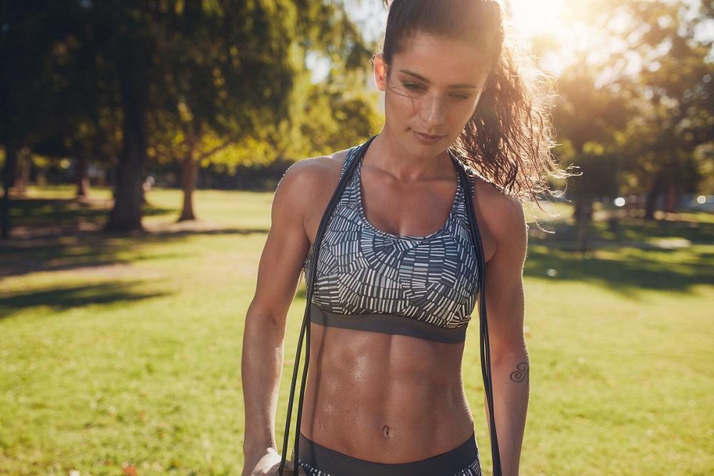 Η top άσκηση για να χάσεις λίπος σε 20' είναι το σχοινάκι