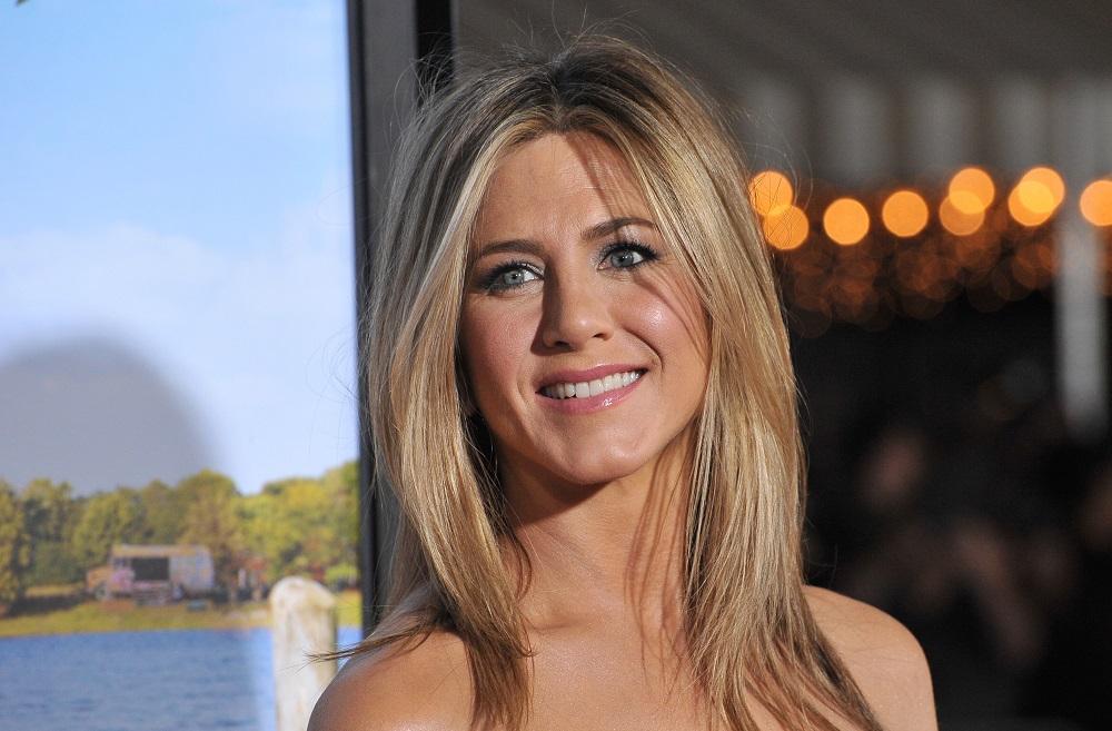 H Jennifer Aniston νονά;