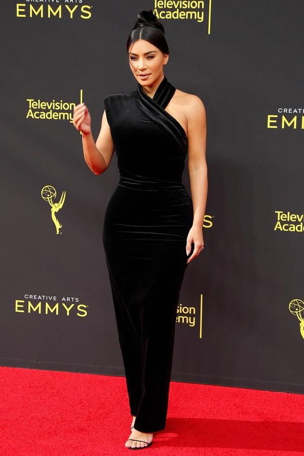 Τα πιο λαμπερά look της Kim Kardashian
