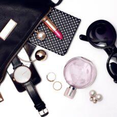 Ποια beauty προϊόντα έχει στην τσάντα της η Kylie Jenner;