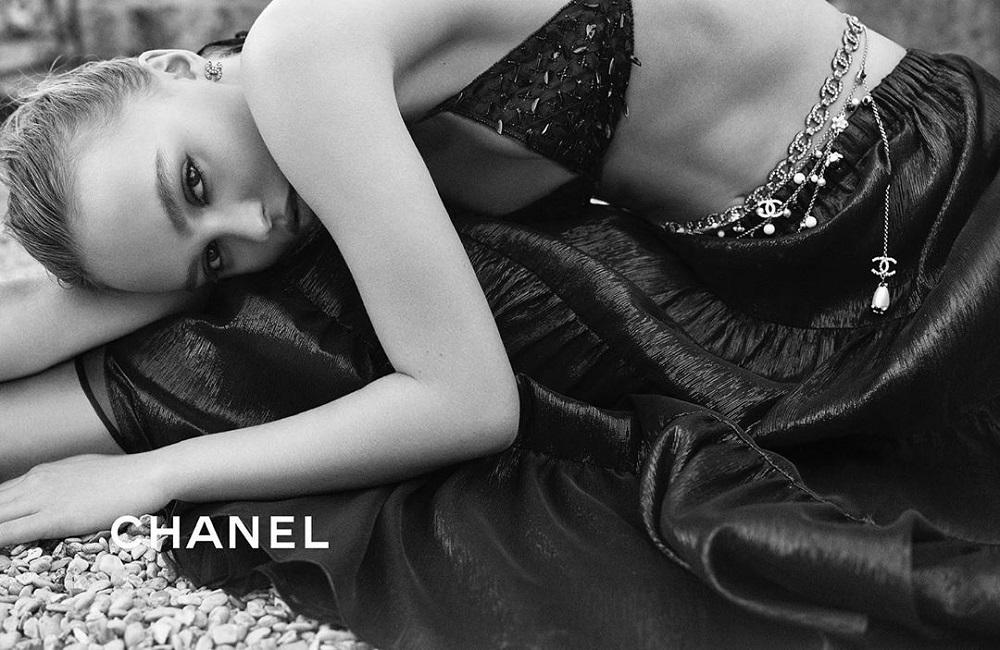 H Lily Rose Depp λαμπερή πρωταγωνίστρια στην καμπάνια της Chanel