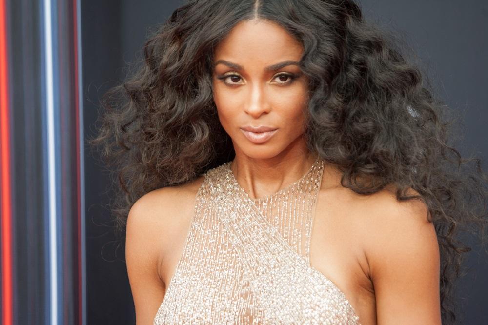 Ciara hair inspo: Μήπως ήρθε η ώρα να κόψεις αφέλειες;