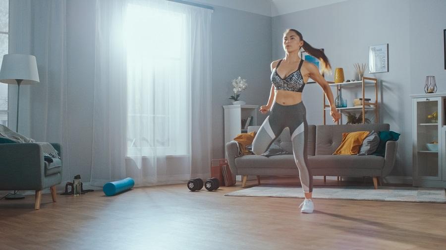 Το πρόγραμμα που θα σε κάνει fit στο σπίτι (video)