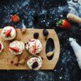 Οι pastry YouTubers θα σε ταξιδέψουν στον κόσμο των γλυκών