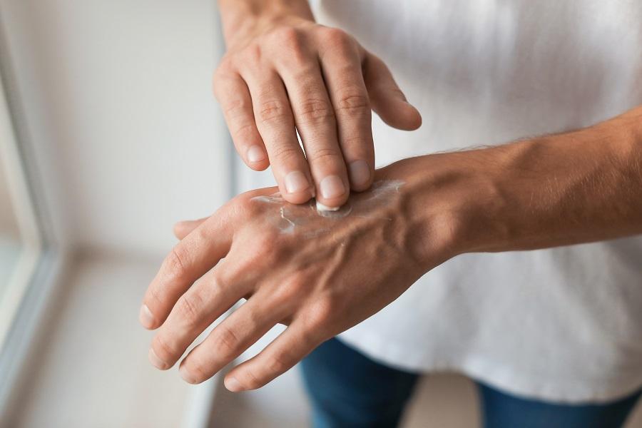Οι καλύτερες κρέμες χεριών για άνδρες