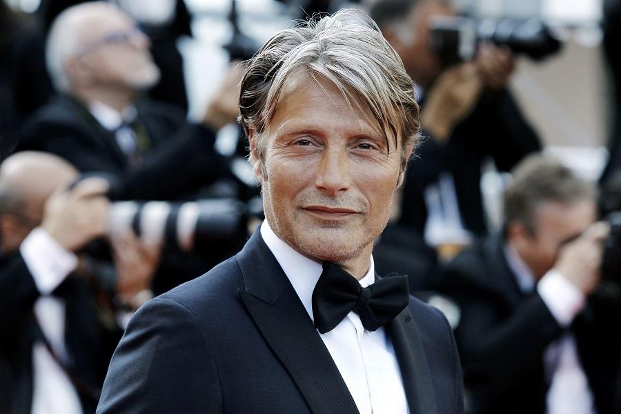 Τα look που έχει υιοθετήσει κατά καιρούς ο Mads Mikkelsen