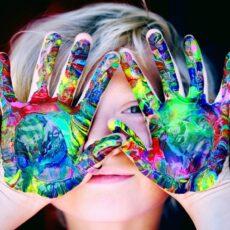 Χρώματα: Τι συμβολίζουν και πώς δρουν στην ψυχολογία μας;