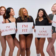 Η Ashley Graham σου δείχνει πώς θα αγαπήσεις το σώμα σου!