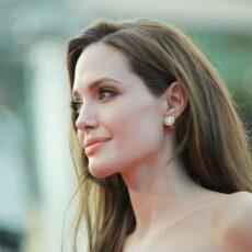 8+1 πράγματα που δεν γνώριζες για την Angelina Jolie