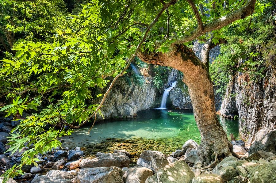 Ταξίδι στη συναρπαστική καταπράσινη Σαμοθράκη